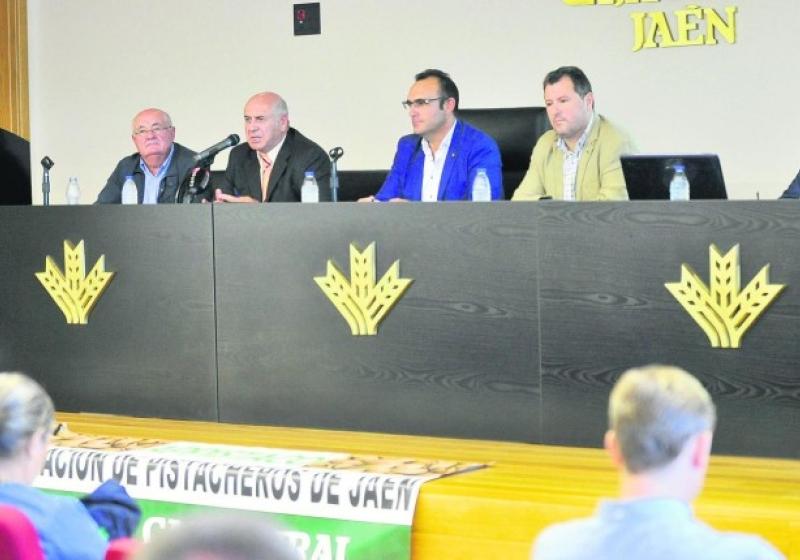 Éxito en la jornada informativa sobre el cultivo del pistacho celebrada en GEOLIT