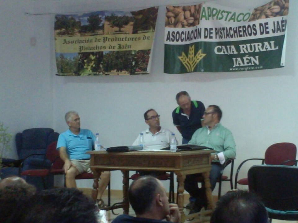 Curso de injerto e iniciación al cultivo del pistacho